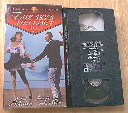 THE SKY'S THE LIMIT VHS ~FRED ASTAIRE~JOAN LESLIE~RKO 1943~ROMANCE DANCE CLASSIC B/W~HTF
