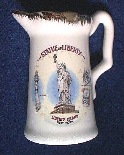 STATUE OF LIBERTY SOUVENIR CREAMER PITCHER ~VINTAGE~GOLD TRIM~NEW YORK