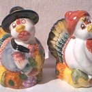 MR AND MRS TURKEY PILGRIM THANKSGIVING SALT AND PEPPER SHAKER SET~NEW~UNUSED~CUTE