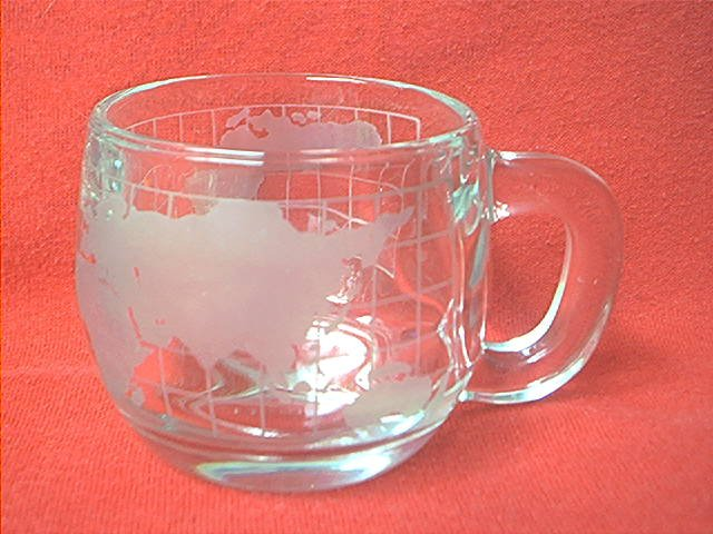 VINTAGE NESTLE NESCAFE GLASS WORLD MUG ~MAP