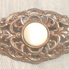 VINTAGE GOLDTONE METAL PIN BROOCH WITH PEARL CENTER