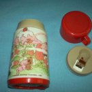 VINTAGE STRAWBERRY SHORTCAKE THERMOS~ALADDIN~~RED CAP~1980 AMER. GREET