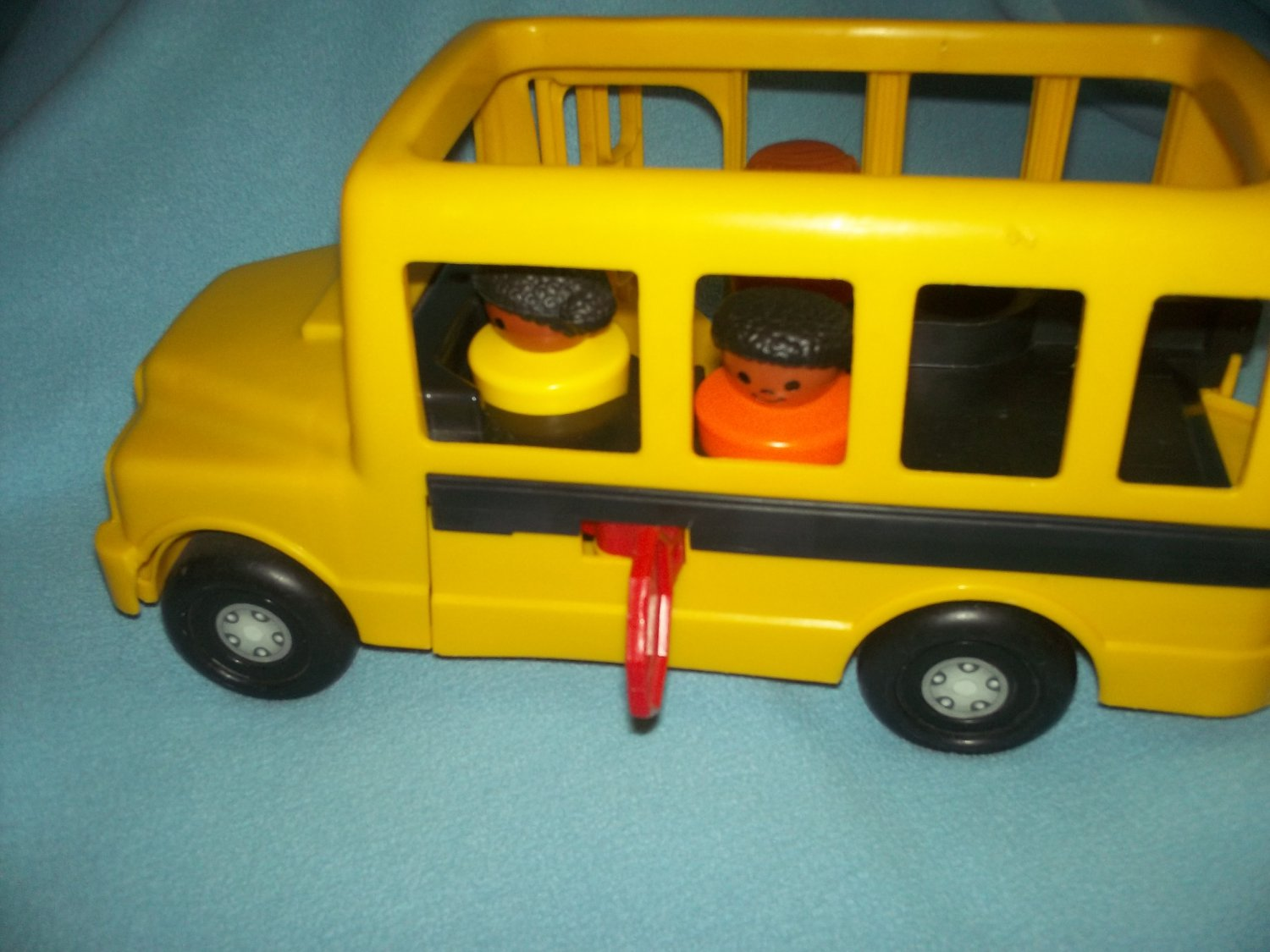 vintage fisher price rolling school bus yellow 1995. Black Bedroom Furniture Sets. Home Design Ideas