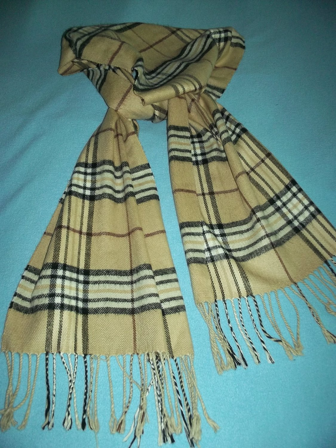 100% CASHMERE SCOTLAND SCARF~SOFT AND COZY~CLASSIC CHECK PLAID~FRINGE
