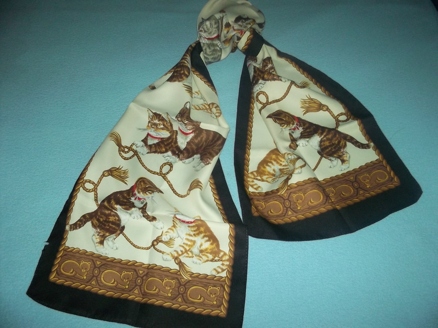 PLAYFUL KITTENS SCARF~SOFT AND PRETTY~SILKY~LOVELY~CATS