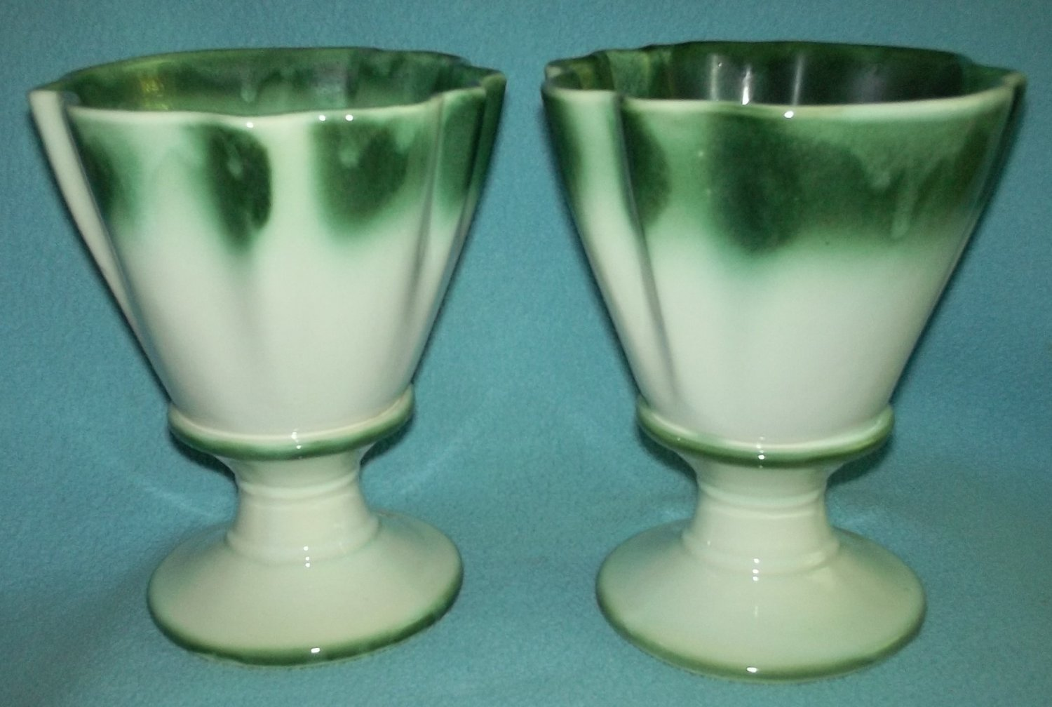 Vintage HULL REGAL ART POTTERY Fluted Vases SET (2) Planters GREEN WHITE Beautiful for Mantel