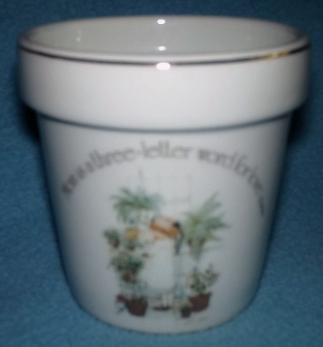 Vintage HOLLY HOBBIE Flower Pot MOM IS A 3 LETTER WORD FOR LOVE Flowers