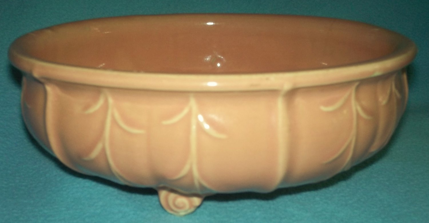 Vintage NM USA NELSON McCOY Round Planter PINK APRICOT PEACH Footed SWIRLS LEAVES 1930's