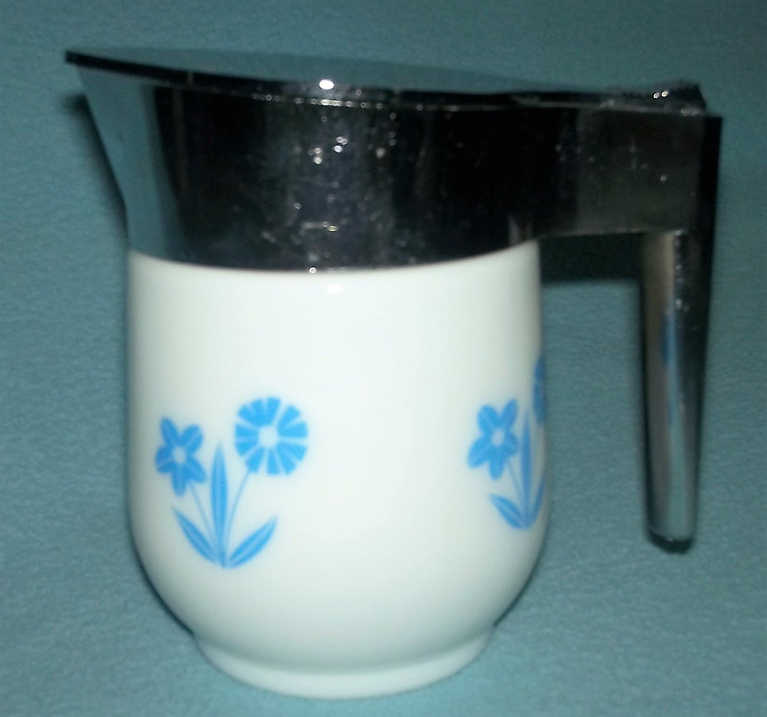 Vintage GEMCO USA Creamer MILK GLASS Blue Cornflower Chrome Lid