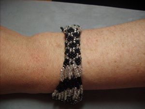 Black and Silver beaded bracelet BR-11