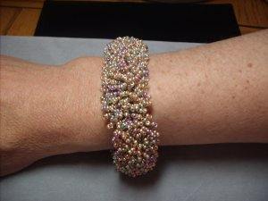Pastel-hued Beaded Bracelet BR-8