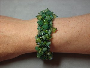 Hunter Green and Adventurine Stone Chips Bracelet BR-1