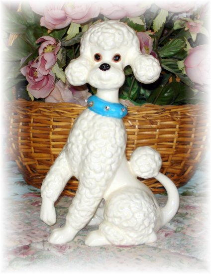 Vintage Cottage WHITE FRENCH POODLE Dog Puppy Statue FIGURINE