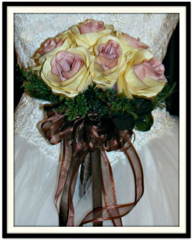"""Hand Tied Ruffled Rose 7"""" Bouquet Ivory Mauve 0700-2"""