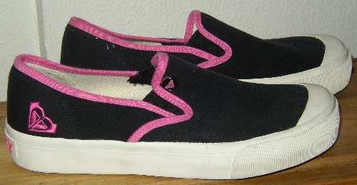 ROXY PEPPERDINE Black Pink Canvas Slip On Shoes 6.5 NEW