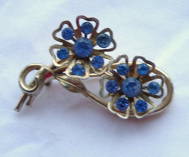 Coro Double Flower Brooch  Repair Piece