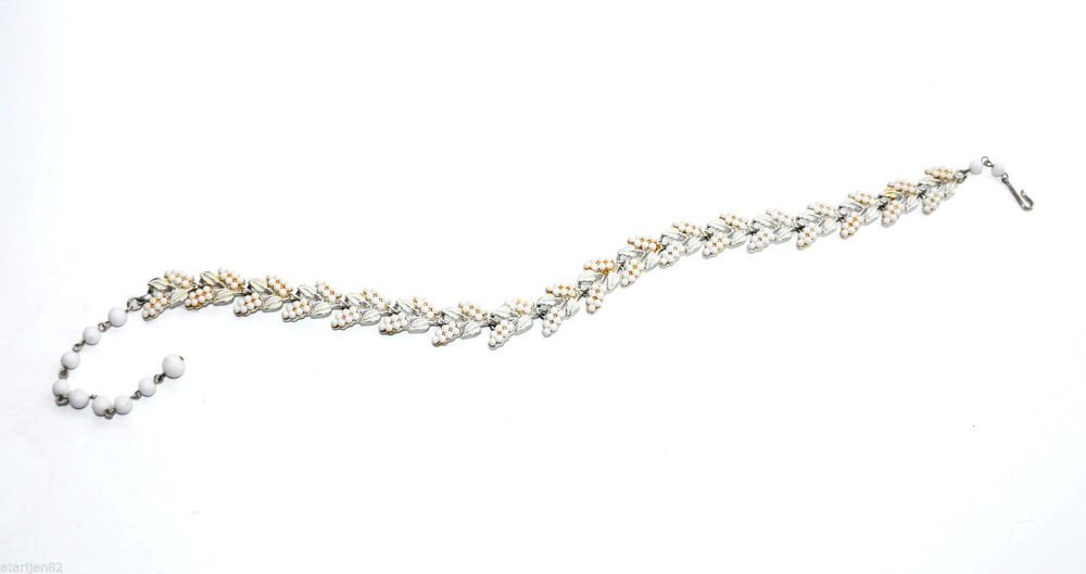 vintage Coro leaf link thermoset choker necklace leaves ivory white silver metal