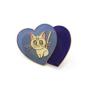 Artemis pin double heart shaped Sailor Moon white cat vintage Bandai Japan