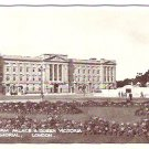 Vintage postcard of Buckingham Palace & Queen Victoria Memorial, London