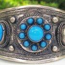 Vintage Bracelet: Turquoise-Colored Cabachons