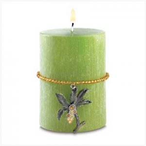 Tropical Safari Candle with a charm in tropical paradise scent