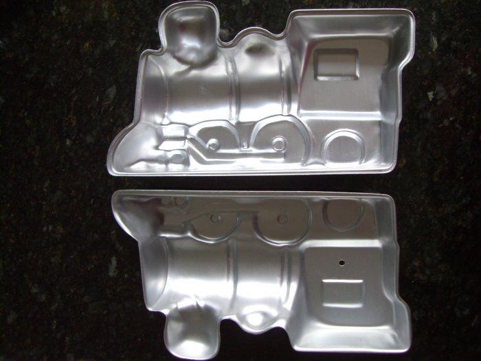 SOLD!  WILTON CAKE PAN 3D Cho Cho TRAIN Mold