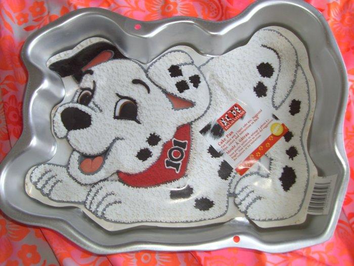 SOLD!  1996 Wilton Cake Pan Disney's 101 Dalmatians # 2105-3250  With Insert