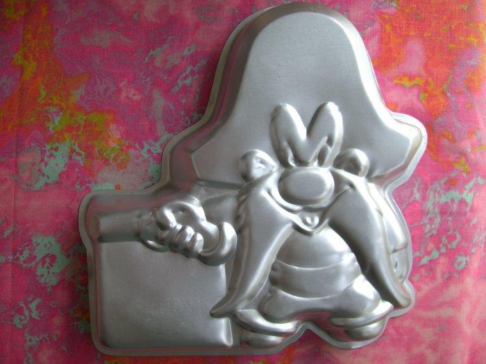 SOLD! Wilton Cake Pan YOSEMITE SAM Looney Tunes # 502 - 2908