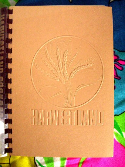 HARVESTLAND (Harvest Land) Junior League Cookbook from Kansas City 1980 1st Edition!