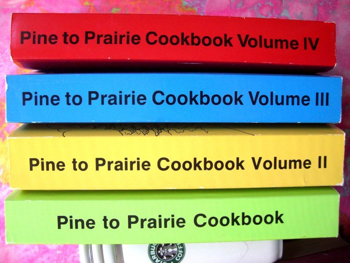 SOLD!  PINE TO PRAIRIE TELEPHONE PIONEERS of AMERICA COOKBOOK MINNESOTA NORTH DAKOTA LOT  1 2 3 4