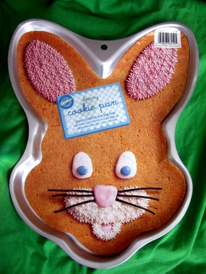 Easter Bunny Rabbit Wilton Cookie Pan