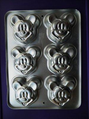 Wilton Cake Pan Mini Mickey Mouse Mold 1995 HTF #2105-3600