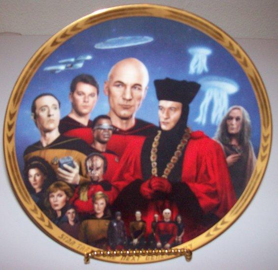 "Star Trek Next Generation ""Episodes-Encounter at Farpoint"" 1994 Hamilton Collection Plate"