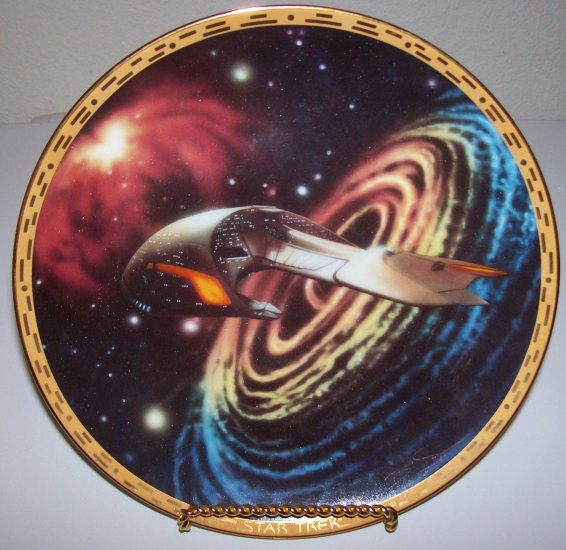 "Star Trek ""Voyagers-Ferengi Marauder"" Hamilton Collection Plate"