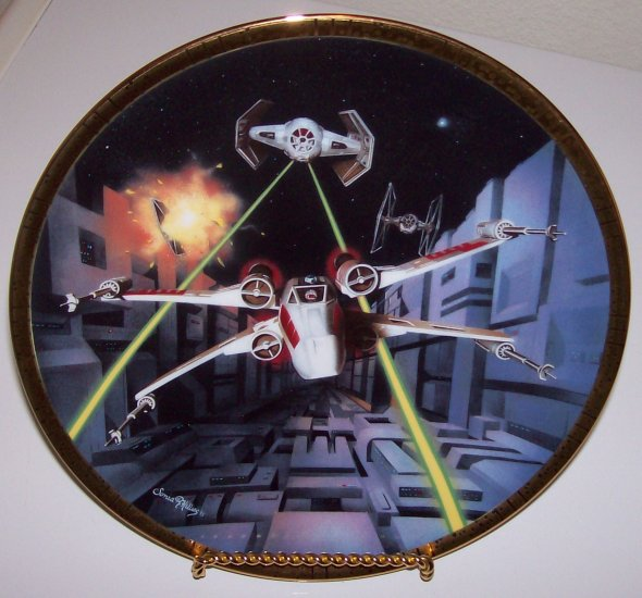 """Star Wars Space Vehicles """"Red Five X-Wing Fighter"""" 1995 Hamilton Collection Plate"""