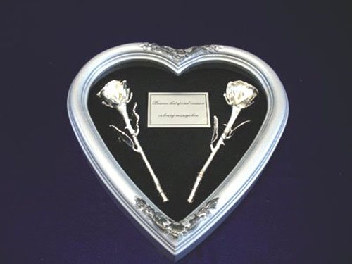"""Silver Heart with Two 8"""" Silver Roses"""