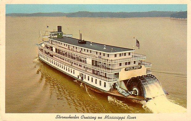 Delta Queen Sternwheeler Crusing on Mississippi River Curt Teich Chrome Postcard - 3918