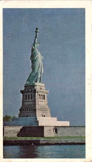 Statue of Liberty, American Oil Company 1969 Postcard - 0104