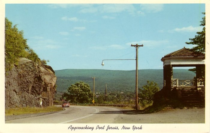 Road Approaching Port Jervis, New York NY 1956 Curt Teich Chrome Postcard - 0114