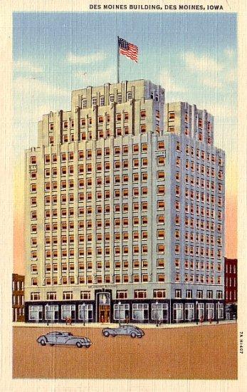 Des Moines Building in Iowa IA 1937 Curt Teich Linen Postcard - 0355