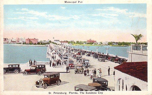 Vintage Cars on Municipal Pier at St. Petersburg Florida FL Vintage Postcard - 1155