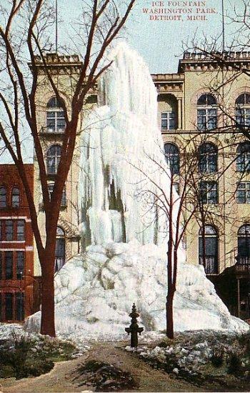Frozen Fountain in Washington Park at Detroit Michigan MI Undivided Vintage Postcard - 1204