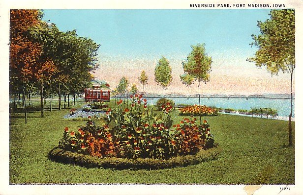 Riverside Park at Fort Madison, Iowa IA Curt Teich Vintage Postcard - 1649