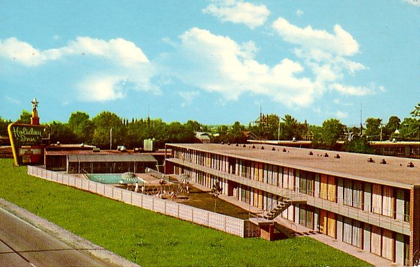 Holiday Inn South in Springfield Illinois IL 1968 Curt Teich Chrome Postcard - 2040