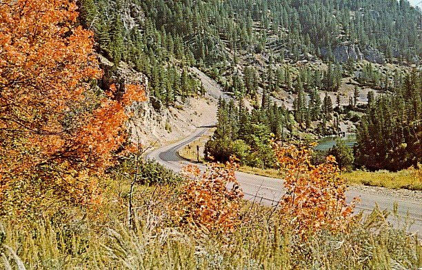 Highway 26 at Snake River Canyon in Wyoming WY, Chrome Postcard - 2429