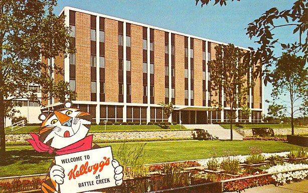 Kellogg Company Building with Tony the Tiger in Battle Creek  Michigan MI, Chrome Postcard - 2492