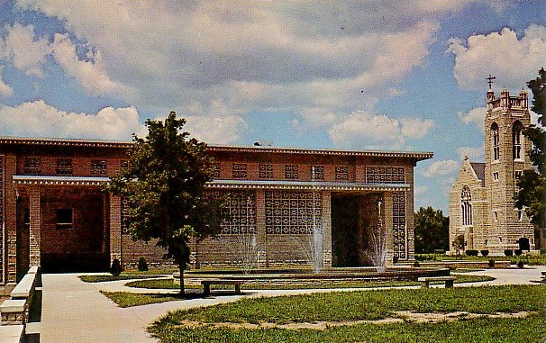 McLaughlin Fountain at The School of the Ozarks in Point Lookout Missouri MO, Postcard - 2578