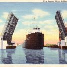 Ship Passing Through Second Street Bridge in Alpena Michigan MI, Curt Teich Linen Postcard - 2593