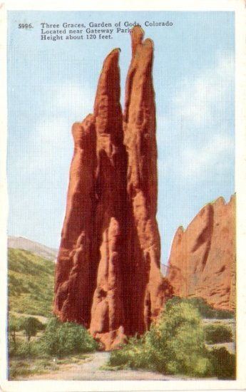 The Three Graces at the Garden of gods in Colorado CO, Linen Postcard - 3088