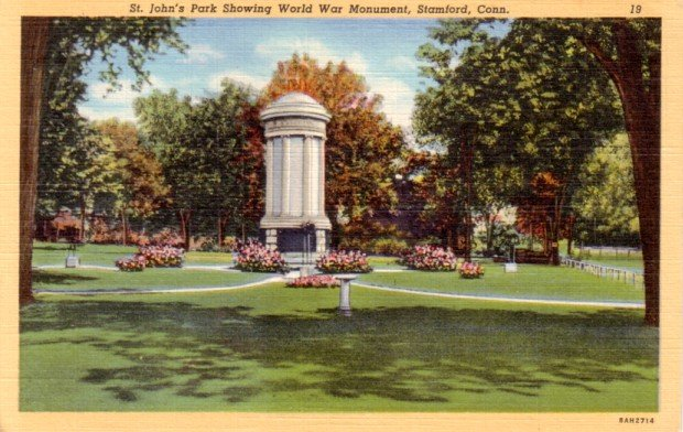 St. John's Park Showing World War Monument in Stamford Connecticut CT, Linen Postcard - 3099